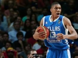 Ο Αντετοκούνμπο θα χρηματοδοτήσει την ανέγερση κλειστού γηπέδου μπάσκετ στη Ραφήνα