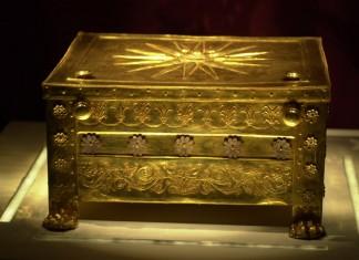 Βεργίνα: Στο μικροσκόπιο οι ταφές στους βασιλικούς τάφους