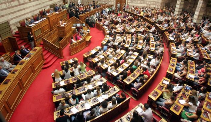 Βουλή: Παραλίγο να πιαστούν στα χέρια Ξυδάκης και Λαγός