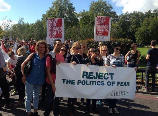 Διαδηλώεις πρόσφυγες2