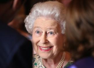 """ΒΡΕΤΑΝΙΑ: Η βασίλισσα Ελισάβετ περιγράφει μια """"φρικτή"""" διαδρομή με την άμαξα"""
