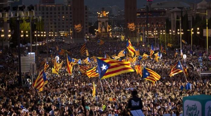 ΚΑΤΑΛΟΝΙΑ: Τα κόμματα υπέρ της ανεξαρτησίας εμφανίζονται να εξασφαλίζουν την απόλυτη πλειοψηφία
