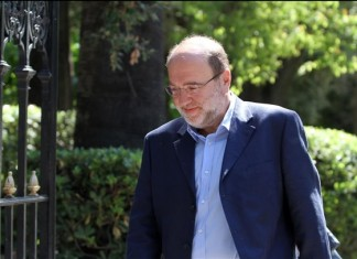 Τρύφων Αλεξιάδης: Εξακολουθεί να νοσηλεύεται ο βουλευτής του ΣΥΡΙΖΑ