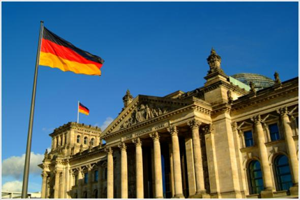 Handelsblatt : 290 δισ. ευρώ εξοικονόμησε η Γερμανία λόγω κρίσης