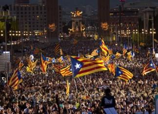 ΒΑΡΚΕΛΩΝΗ: 750.000 άνθρωποι διαδήλωσαν υπέρ της αποφυλάκισης των αυτονομιστών