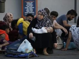διανομή, φυλλαδίου, πρόσφυγες, Πειραιά,