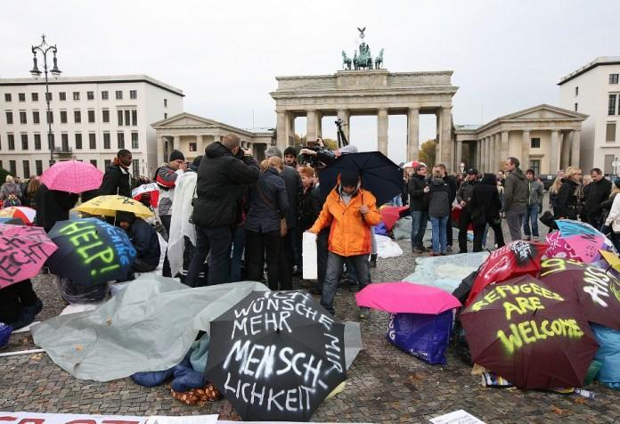 Γερμανοί, χαρτί, μακελάρη, μουσουλμανική αδελφότητα,