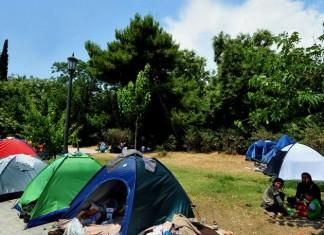 Σλοβενία, περιορισμούς,μετανάστες, πρόσφυγες, Σερβία, διαμαρτύρεται,