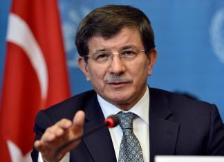 Νταβούτογλου VS Ερντογάν: H Τουρκία καταστρέφεται στα χέρια ανίκανων και άσχετων