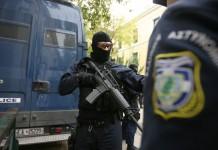 Συνελήφθη Ιρανός αναρχικός ο οποίος ζητούσε να πάρουν όπλα οι μετανάστες στον Εβρο