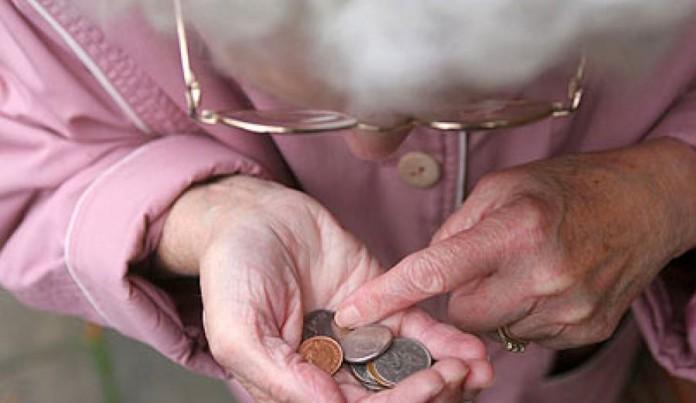 Επτά στους δέκα συνταξιούχους παίρνουν κάτω από 800 ευρώ