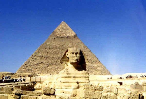 πρώτη απεργία,εργάτες, πυραμίδες,