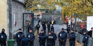 ΕΚΤΑΚΤΟ: Επίθεση με μαχαίρι στη νότια Γαλλία και πληροφορίες για νεκρό