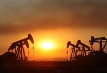 Κατρακύλησαν οι τιμές του πετρελαίου και άγγιξαν τα επίπεδα του 1991