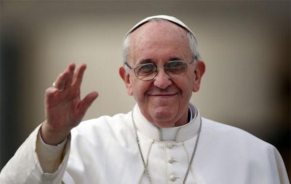 Ο Πάπας προσεύχεται για τα θύματα των φονικών πυρκαγιών στην Ελλάδα