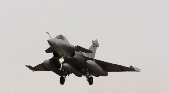 "Rafale: Οι υπογραφές ""έπεσαν"" - Ορόσημο στην διμερή αμυντική συνεργασία Ελλάδας-Γαλλίας"