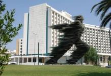 Το Costa Navarino παίρνει το Hilton