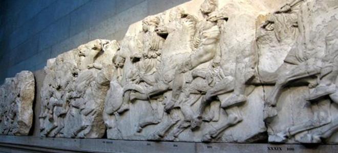 Τα αρχαία εκθέματα προσελκύουν εκατομμύρια τουρίστες κάθε χρόνο στην Ελλάδα, όμως χιλιάδες είναι τα παραδείγματα αρχαιοελληνικής τέχνης που μπορεί κανείς να βρει σε μουσεία του εξωτερικού.