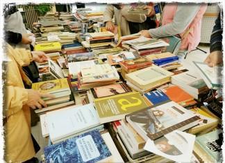 Επαναλειτουργούν από Δευτέρα κομμωτήρια, βιβλιοπωλεία και ΚΤΕΟ