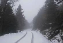Έκλεισε η λεωφόρος Πάρνηθας λόγω χιονόπτωσης