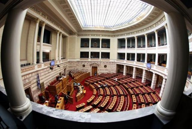 Βουλή: Καταψηφίστηκε η πρόταση μομφής κατά του Χρήστου Σταϊκούρα με 158 «όχι»
