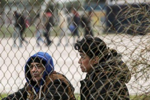 ΠΓΔΜ, Βουλή, παρατείνει,κλείσιμο συνόρων,