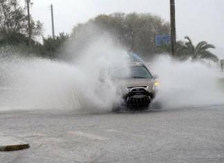 Βροχές και καταιγίδες στην Αττική – Ανησυχία για τις πυρόπληκτες περιοχές