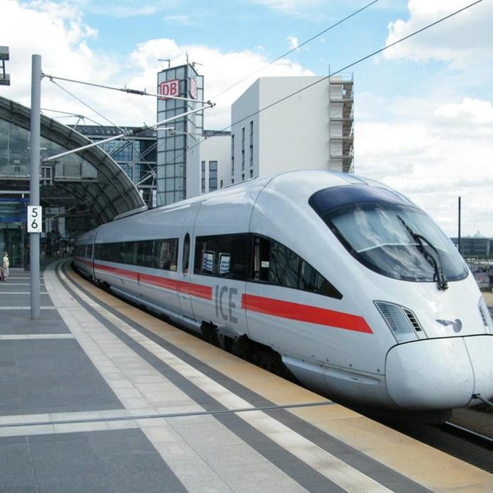 Γερμανία, άνδρας, τσεκούρι, τρένο,