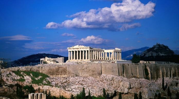 Politico: Μετά το μνημόνιο η Ελλάδα θα είναι δεμένη με...κοντό λουρί