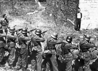 ΣΑΝ ΣΗΜΕΡΑ To 1944...Οι Ναζί κατακτητές καταστρέφουν το Δίστομο και σκοτώνουν 218 κατοίκους του.