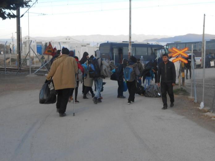 Ειδομένη, ξεσηκώνουν, πρόσφυγες, περάσουν, σύνορα,