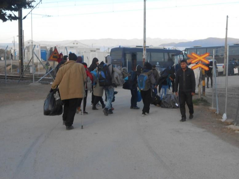 πρόσφυγες, Εθνική οδός,