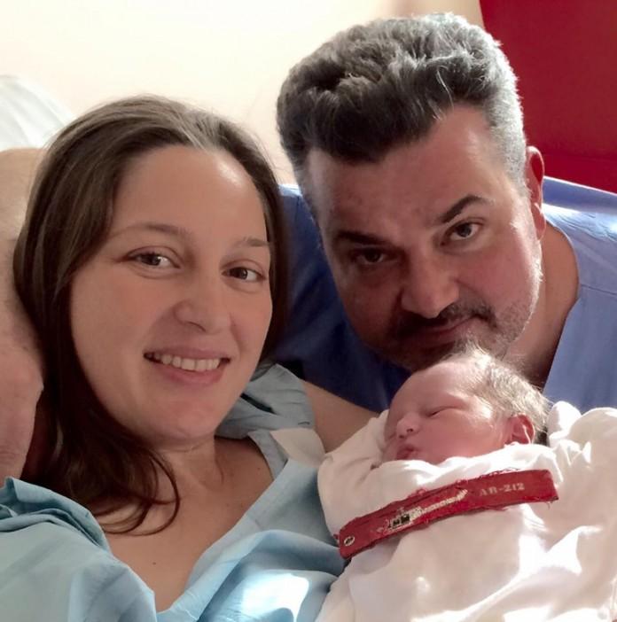 γεννήθηκε, το μωρό, συγκυβερνήτη, Πανανά,