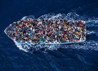 ΙΤΑΛΙΑ: Τουλάχιστον 25 νεκροί και 85 διασωθέντες από ναυάγιο