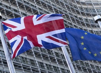 Βρετανοί, υπογράφουν, νέο δημοψήφισμα,