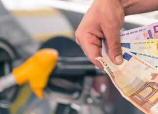 Παραεμπόριο τσιγάρων-ποτών και καυσίμων: Στοιχίζει στο δημόσιο 1 δις ευρώ το χρόνο