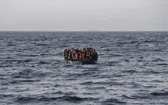 """Λέσβος: """"Απόβαση"""" μεταναστών! Πάνω από 500 μετανάστες με 13 βάρκες κατέφθασαν στο νησί!"""