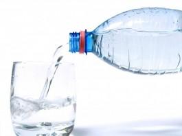 Δείτε γιατί δεν πρέπει ξαναγεμίζουμε με νερό τα πλαστικά μπουκάλια