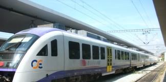 Τετράωρη στάση εργασίας σε προαστιακό και τρένα την Πέμπτη