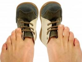άχρηστη πληροφορία, παπούτσια,