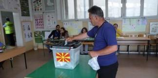 Κρίσιμο τέστ για Ζάεφ οι προεδρικές εκλογές στη Βόρεια Μακεδονία
