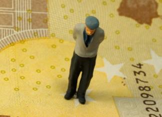 """""""ΑΤΛΑΣ"""": 153.000 αγγίζουν οι εκκρεμείς αιτήσεις συνταξιοδότησης"""