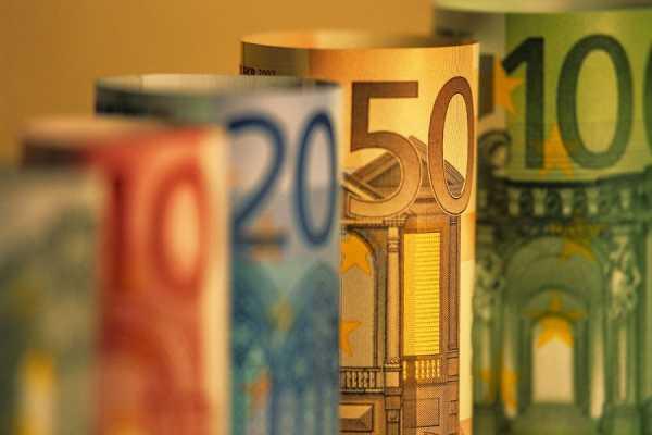 Στα 10 δις ευρώ το κόστος της πανδημίας το πρώτο τρίμηνο του 2021