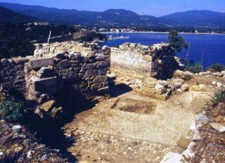 τάφος, Αριστοτέλη,
