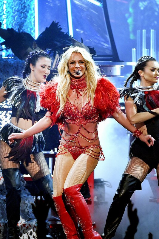 -Britney-Spears-2