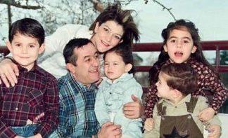 Νίκος Νικολόπουλος, οικογένεια, δημόσιο, ευχαριστώ,