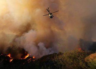 Ανεξέλεγκτη μαίνεται η πυρκαγιά στη βόρεια Καλιφόρνια