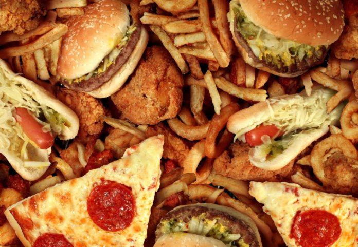 Η κακή διατροφή «σκοτώνει» περισσότερους ανθρώπους από όσους το τσιγάρο και η υπέρταση