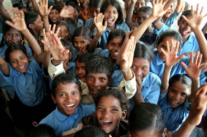 ΣΥΜΒΟΥΛΕΣ: Εμφυσώντας στα παιδιά μας υψηλά ιδανικά και έναν απλό τρόπο ζωής…