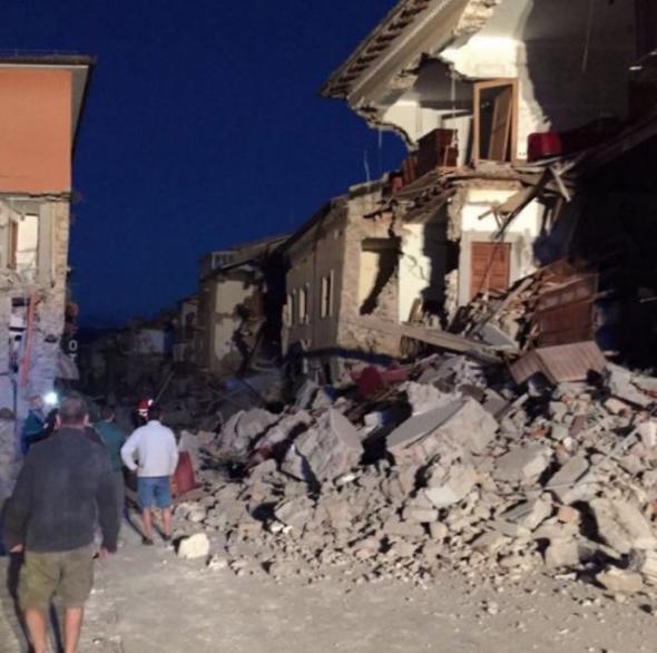 Τριάντα χιλιάδες, άστεγοι, Ιταλία,